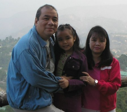 Bong, Mariel and Sam in Baguio 2006