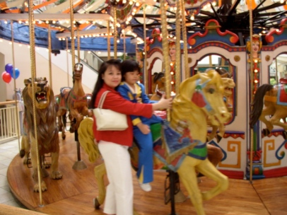 Mariel and Sam at Santa Clarita mall 2004